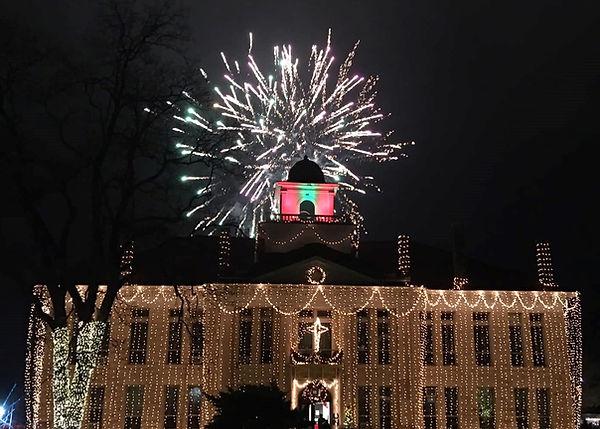 2019 courthouse fireworks2.jpg