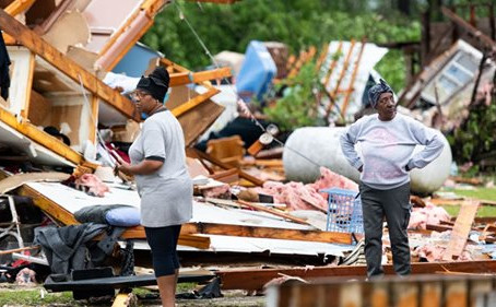 At Least 26 Dead After Storms Sweep South On Easter