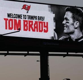Tom Brady arrives in Tampa Bay, moves into Derek Jeter's Davis Islands mansion