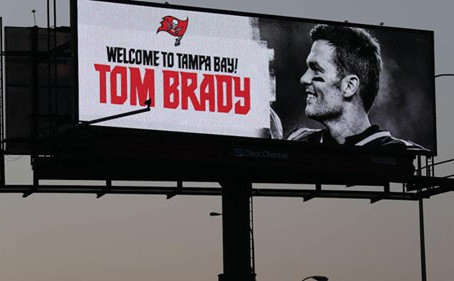 Tom Brady arrives in Tampa Bay, moves into Derek Jeter's Davis Islands mansion