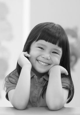 AdobeStock_190874588 asian girl blk&wht.