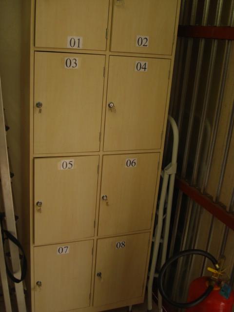 Armário guarda volume com chave