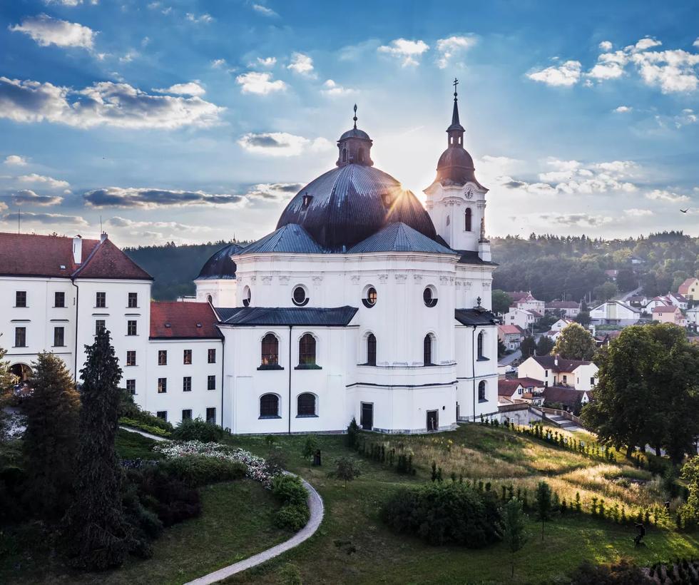 Kostel J. B. Santiniho ve Křtinách - Moravský kras