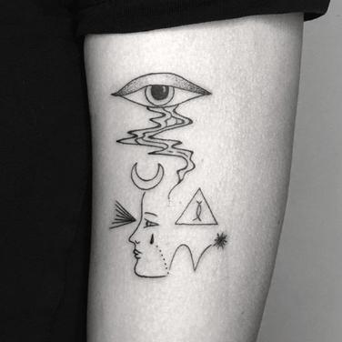 Doodle fine line unique tattooing