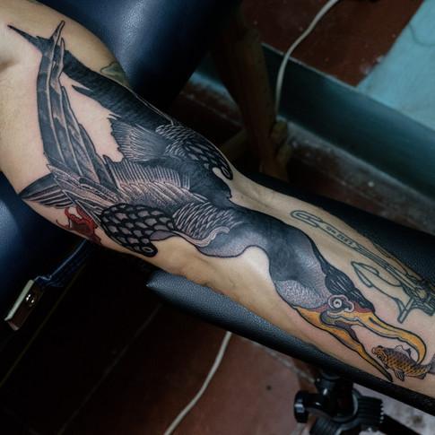 Tatuajes rojos y negros