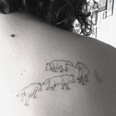 Dot tattooing - Wolf on back