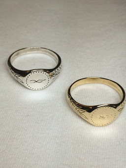 Beautiful gold or silver signet rings