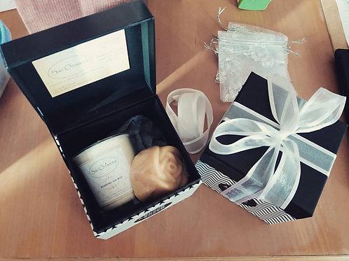 Coffret cadeau : 1 bougie 80 gr senteur Ambre et 1 savon