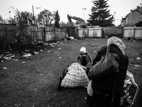 Saint-Denis: mise à la rue glaciale et silencieuse des familles de l'Avenue Stalingrad.