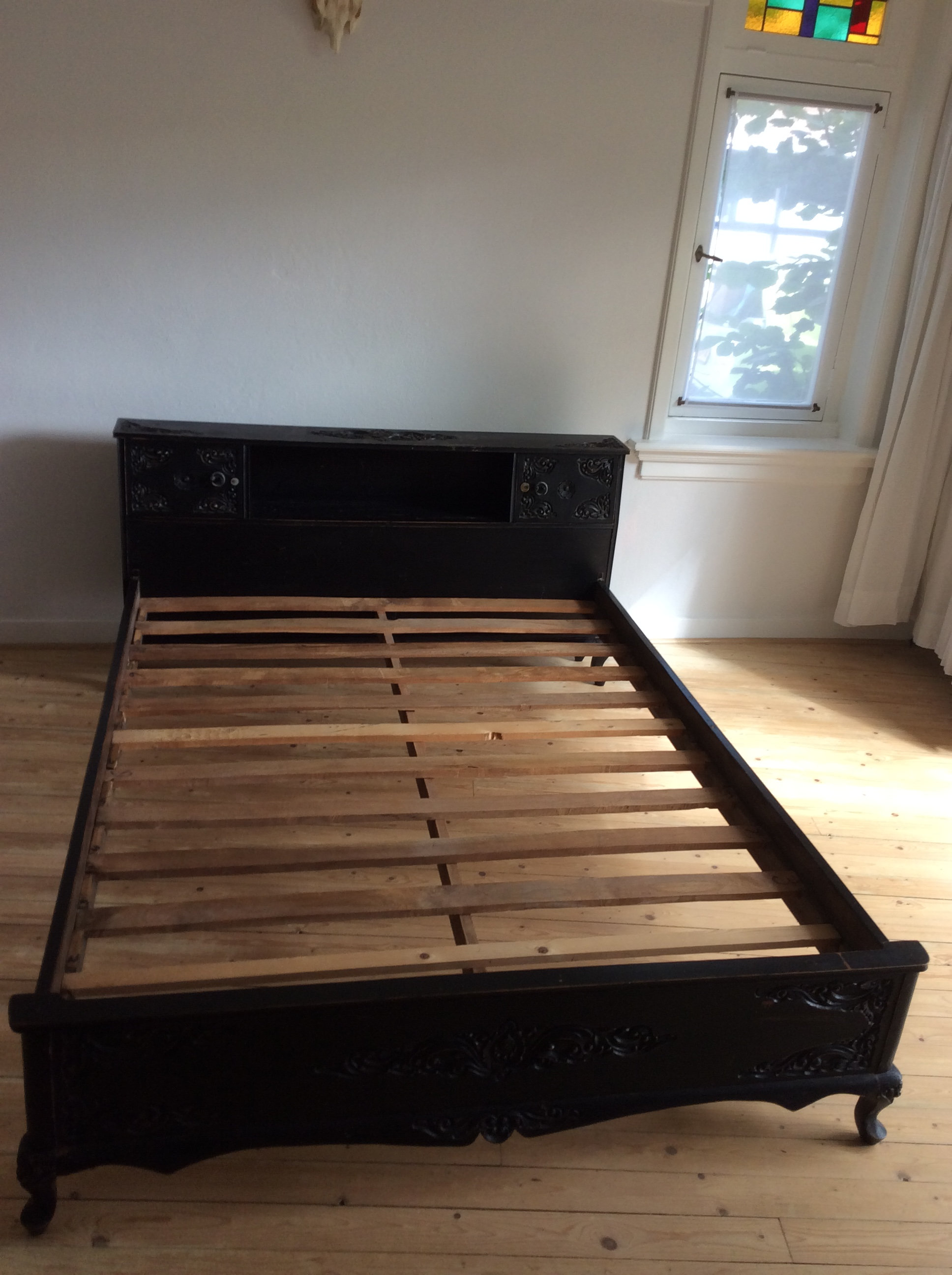 Wonderbaar Zwart houten koloniaal bed | Antonia VP-75