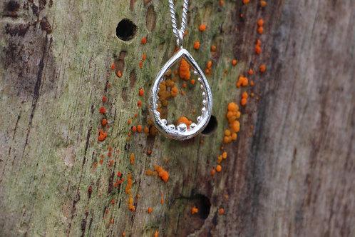 """le collier Dionaea """"ciel"""""""