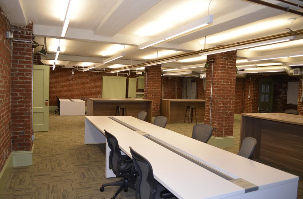 Interior 16.jpg