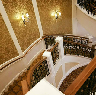 curved staircase.jpg