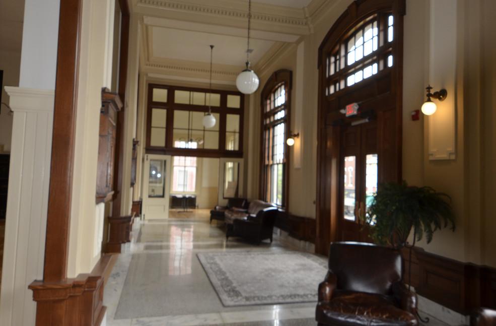 Interior 17.jpg