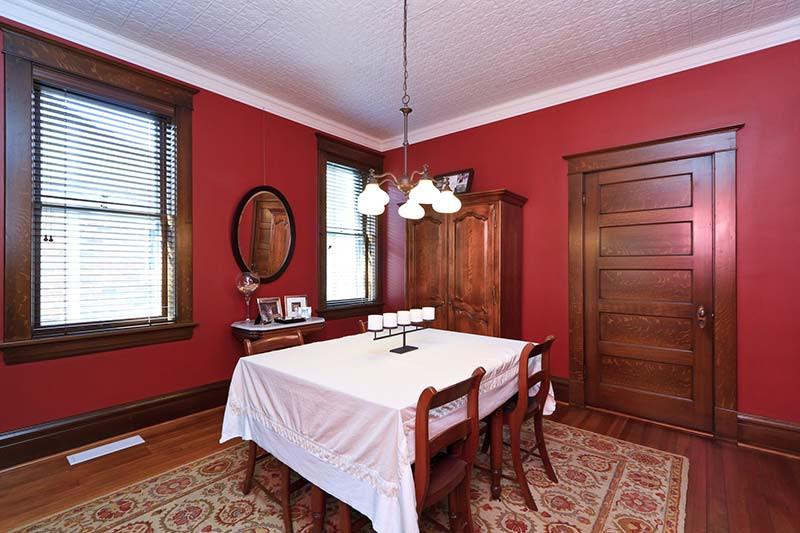 Interior 07.jpg