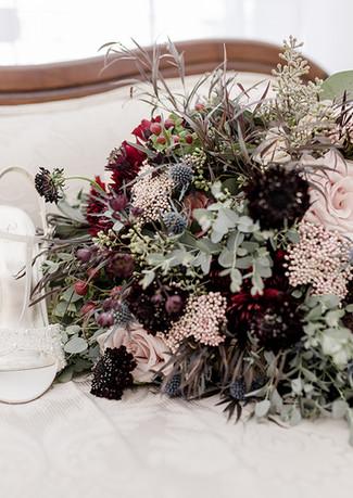 Bride's bouquet & shoes