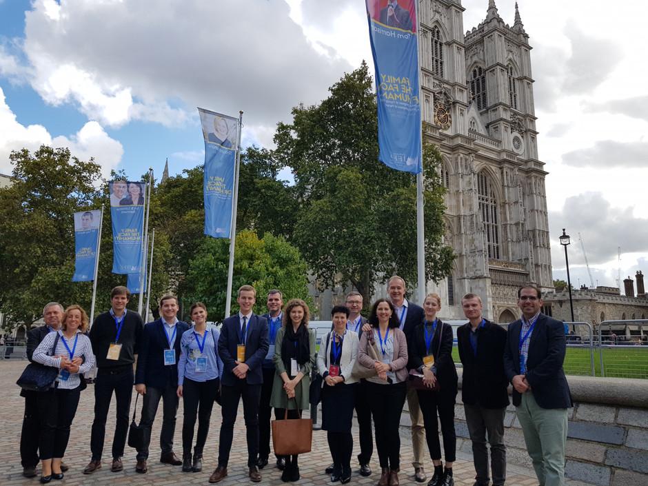 XX. světový kongres IFFD v Londýně