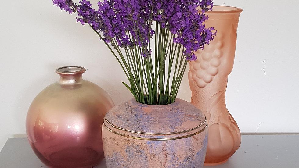 Vase signé terre cuite laiton
