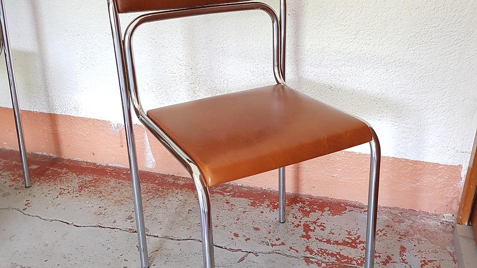 REF 003 Chaise chrome et skai 70's