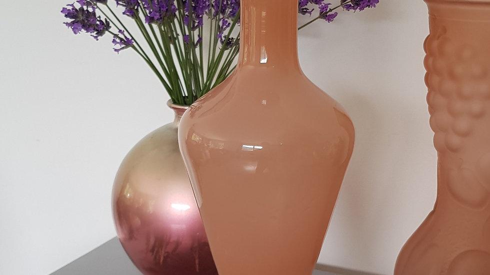 Vase en opaline de Portieux rose poudré