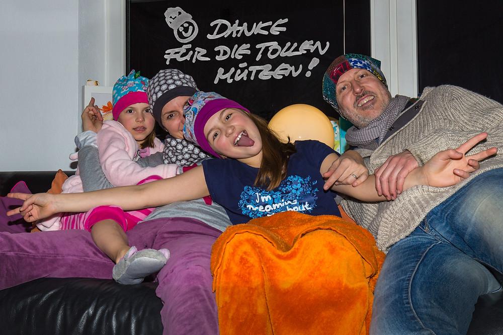 Feedback zu unseren Mützen von einer Familie aus dem Landkreis Starnberg. Sixx-Zagg-Mützen von prettybanana.com. Deine individuelle Mütze aus München.