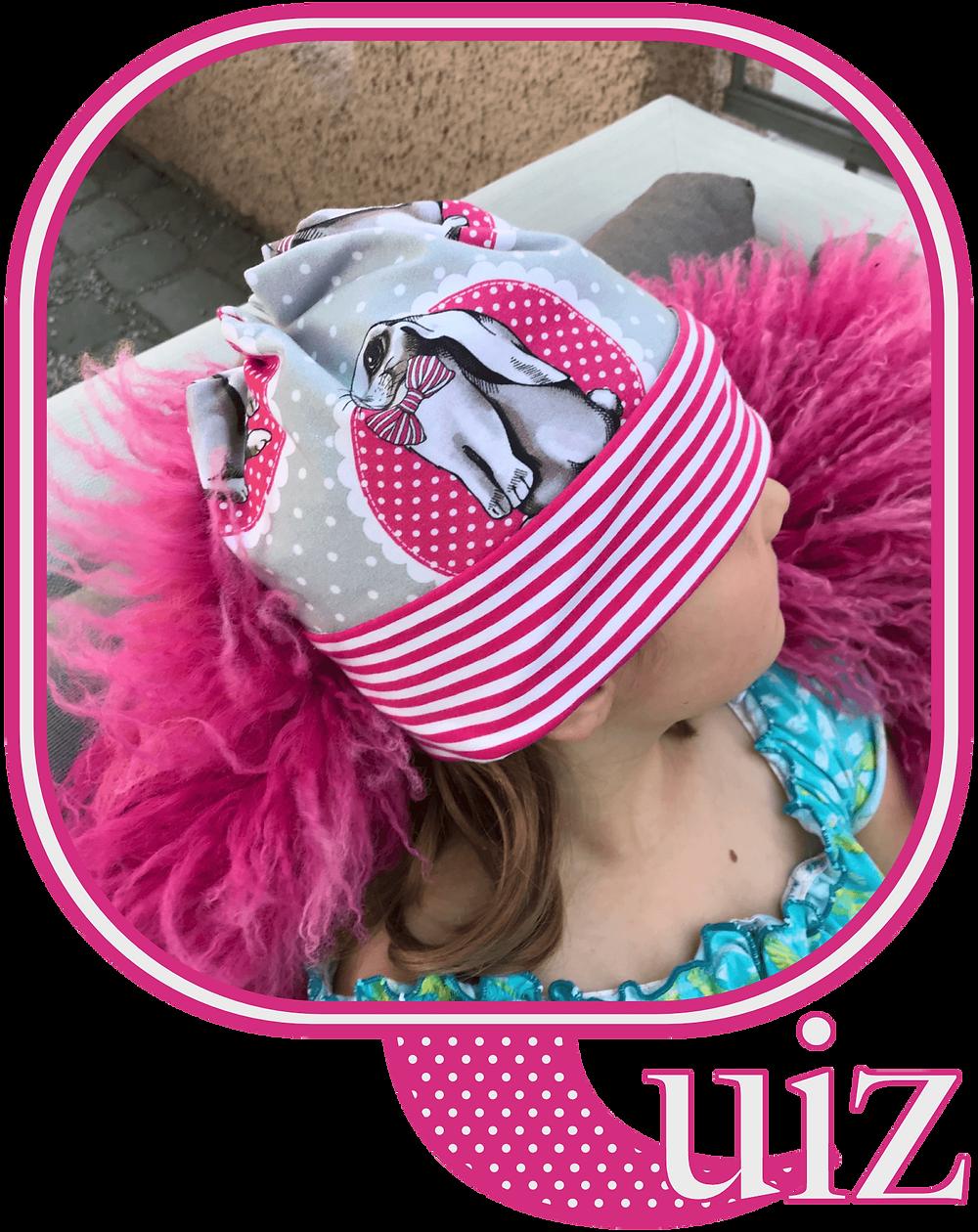 Eine junge Kundin mit ihrer Mütze perfekt in Szene gesetzt. Sixx-Zagg-Mützen von prettybanana.com. Deine individuelle Mütze aus München.