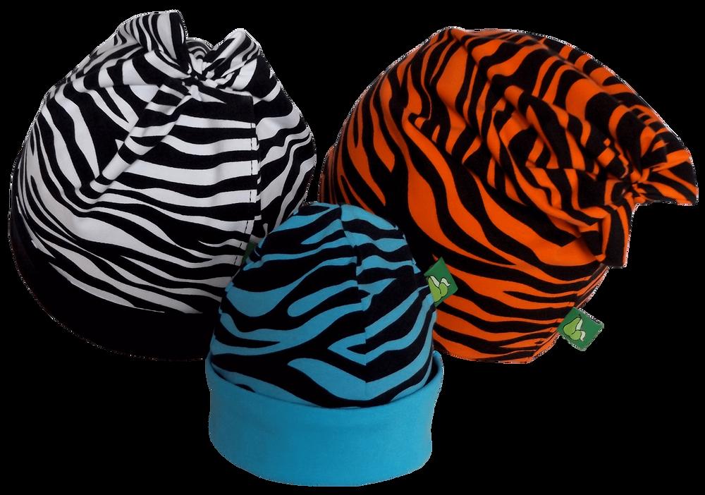 """3 Sixx-Zagg-Mützen """"Zebra"""" in unterschiedlichen Farben für eine Familie. Sixx-Zagg-Mützen von prettybanana.com. Deine individuelle Mütze aus München."""