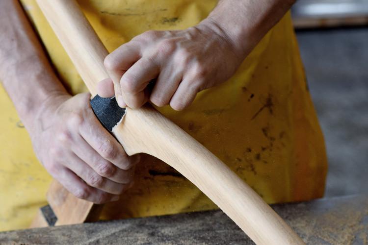 קורס בחידוש ריהוט עץ