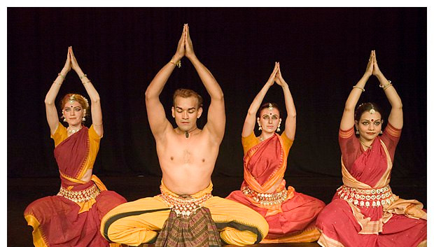 Chandana Charsita grupp komposition av Sujata Mohapatra