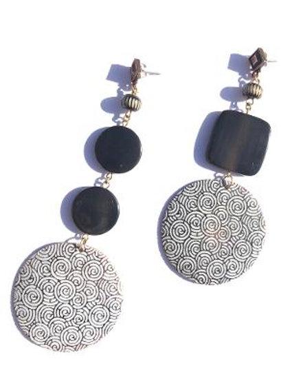 spiraling in control black pen shell & horn earrings