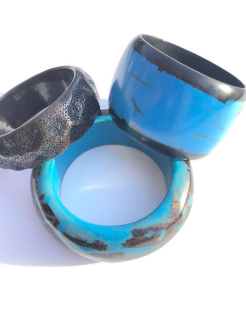 what's that? black & blue 3 piece bangle stack