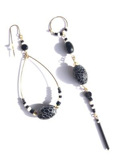 good news black & white crackle agate loop & straight earrings