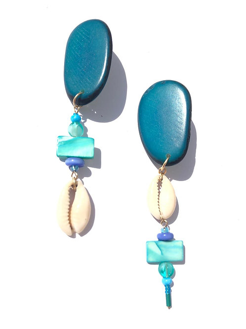 talkin' bout teal tagua nut & cowrie shell clip on earrings