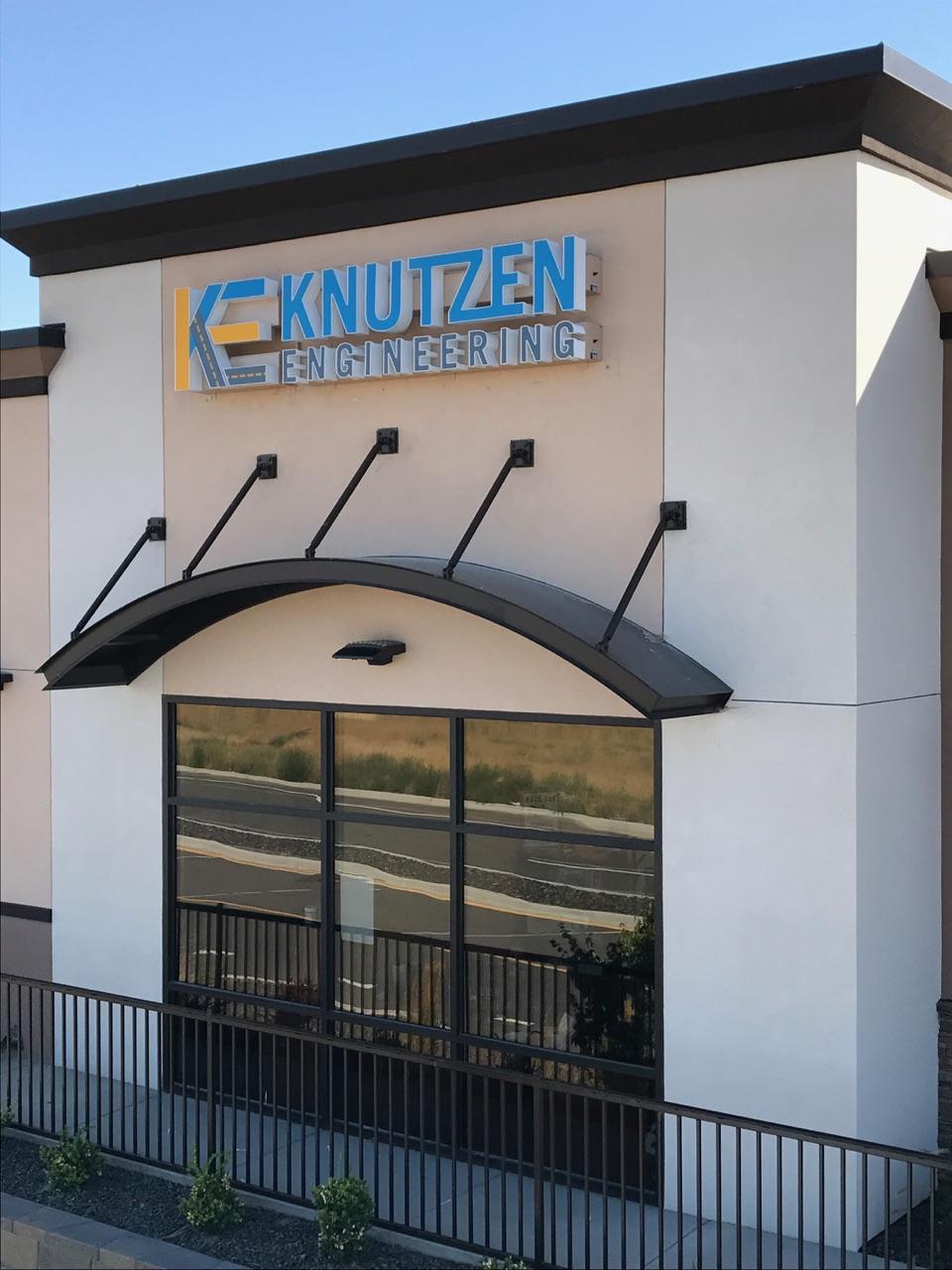 Knutzen - Storefront Backlit