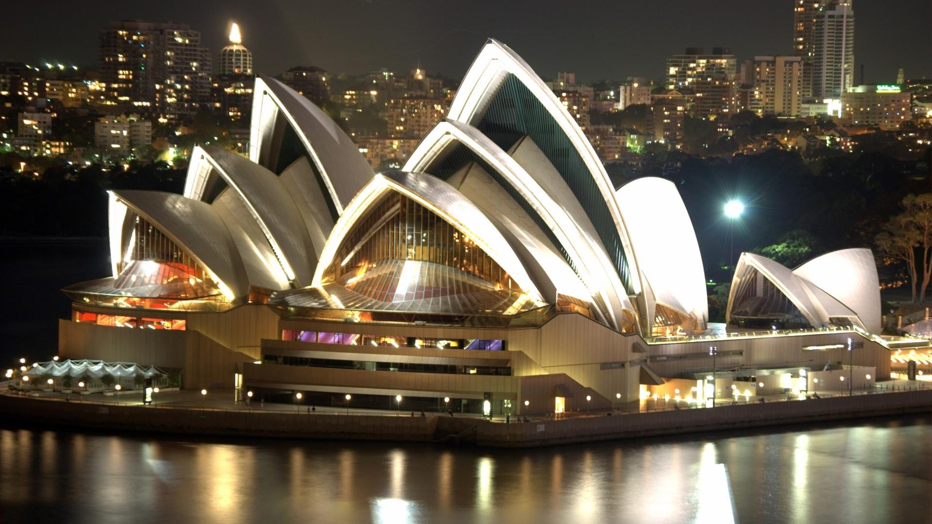 Sydney_Opera_House_Night_edited_edited.j