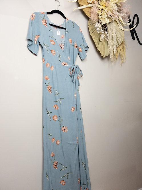 Tobi Wrap Dress . Size Small