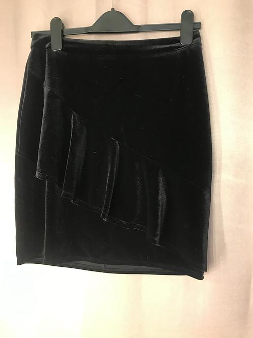 Reitmans Velvet skirt - Size 6