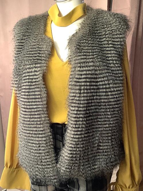 Request Fuzzy Faux Fur Vest XL