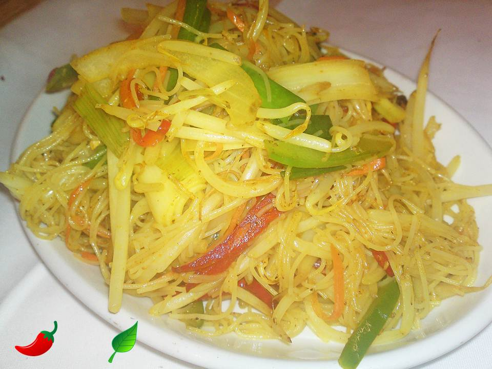 129. Vegetable Singapore Noodles