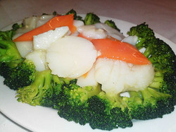 51. Scallops with Broccoli