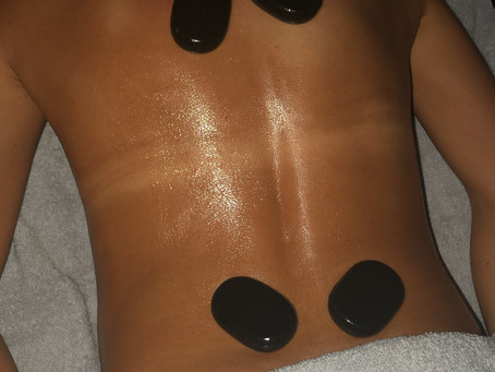 Top 5 benefits of a hot stone massage