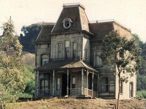 Les maisons hantées : le rôle des passeurs d'âmes