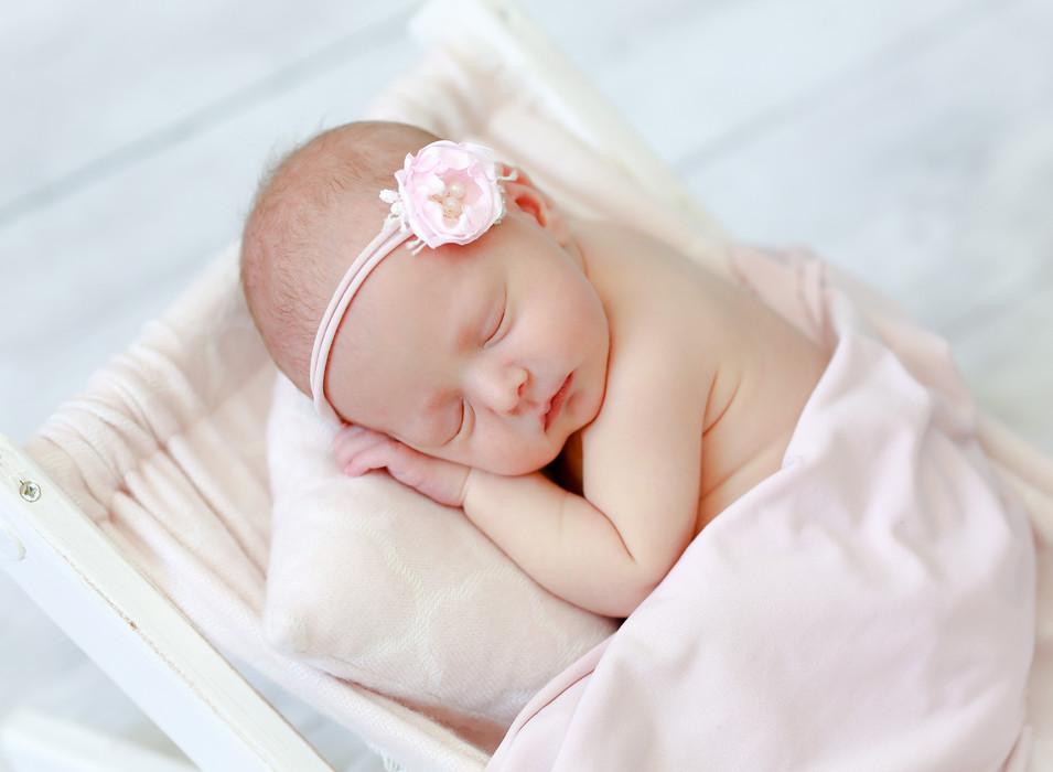 Lake Mills Newborn Photographer-5.jpg