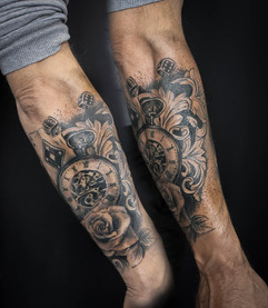 Tatouage montre rose