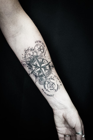 Rose des vents tatouage