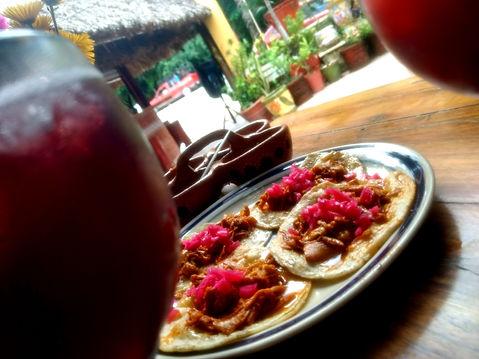 tacos cochinta pibil yum