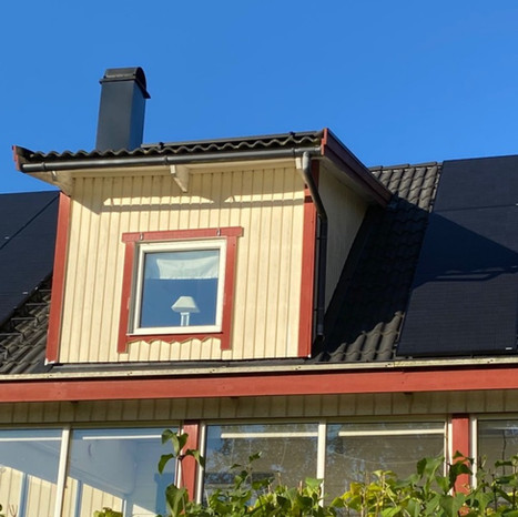 DTenergi installerar solpaneler i Uddevalla