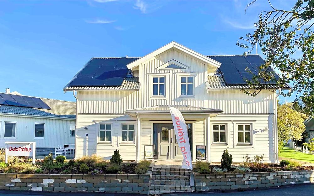 Solpaneler installerade på villa