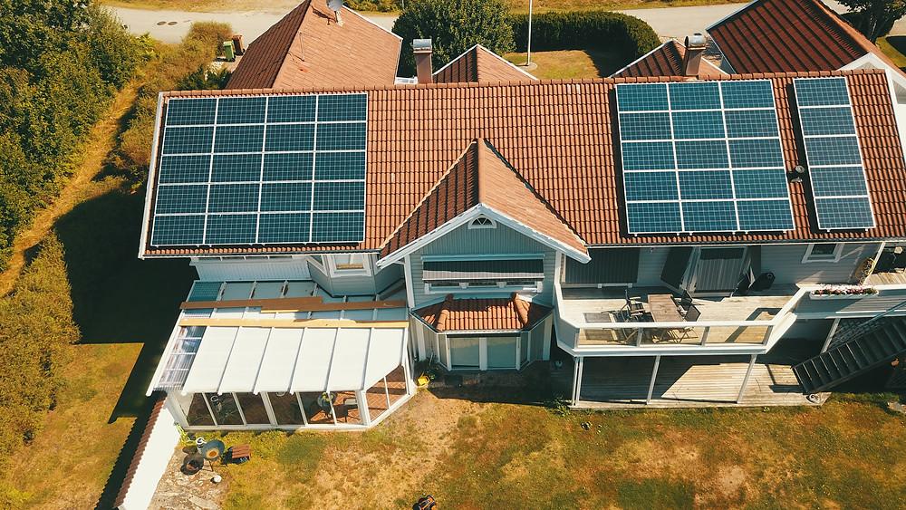 solpaneler på villa i ljungskile