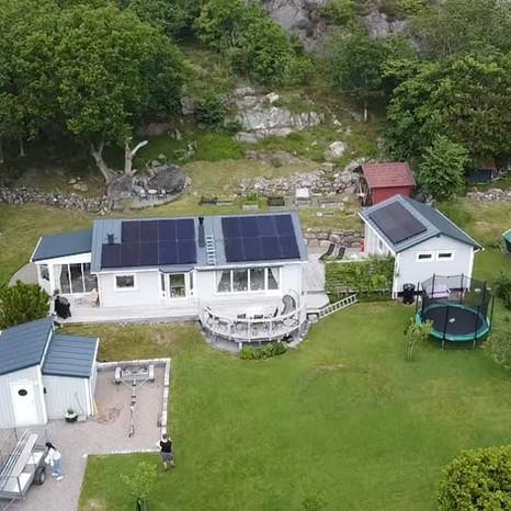 DTenergi har installerat solpaneler på villa och garage på Tjörn